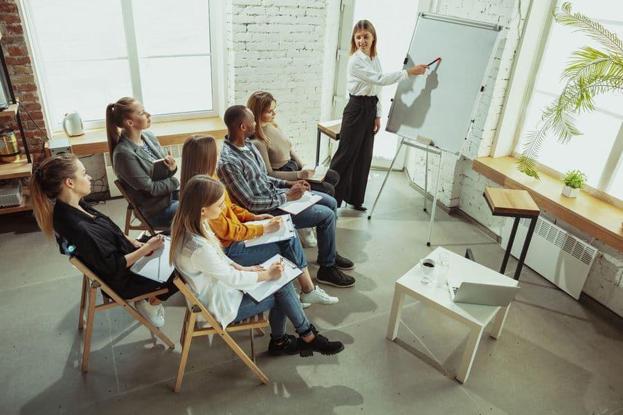 3 Praktiken zur Vermittlung von Fertigkeiten in einem virtuellen Klassenzimmer 3