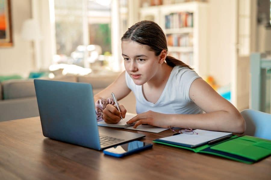 Wie virtuelle Klassenzimmer die Bildung in diesen schwierigen Situationen ermöglichen? 3