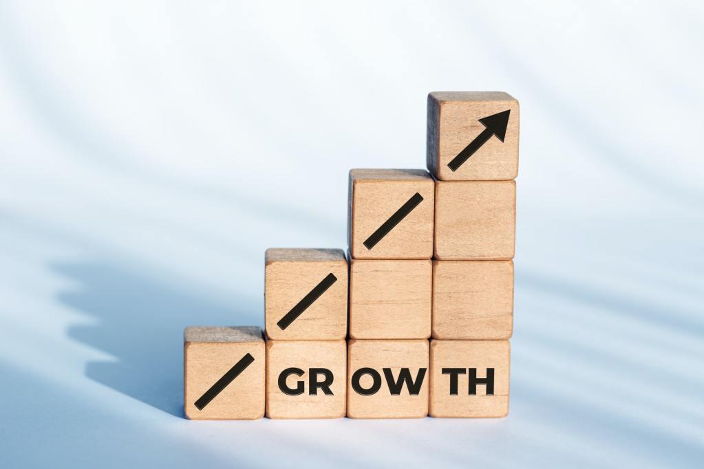 6 Vorteile und 6 Herausforderungen bei der Einstellung von Remote eLearning-Kandidaten