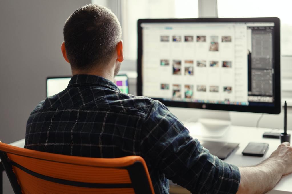8 Wichtige LMS-Funktionen für Ihr E-Learning-Programm
