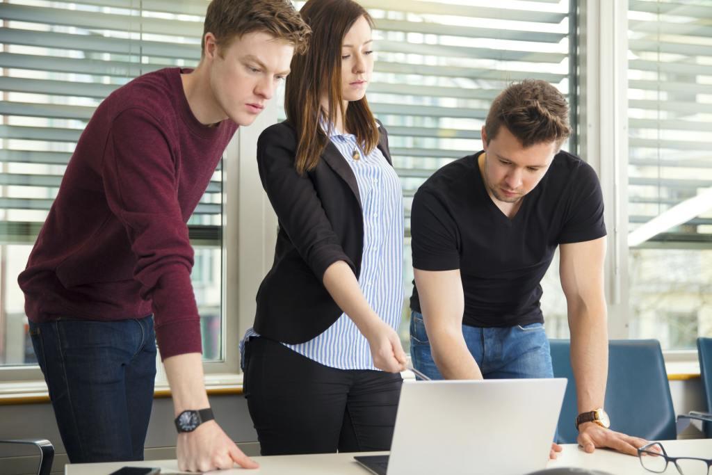 Wie ein Compliance-Training LMS die Bedeutung der Sicherheit am Arbeitsplatz unterstreicht.